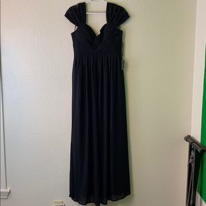 NEVER worn Lulus Long Black Dress size Medium